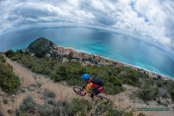 Roxy-DH-Donne-Trail-Meer-Varigotti-Outdoormind
